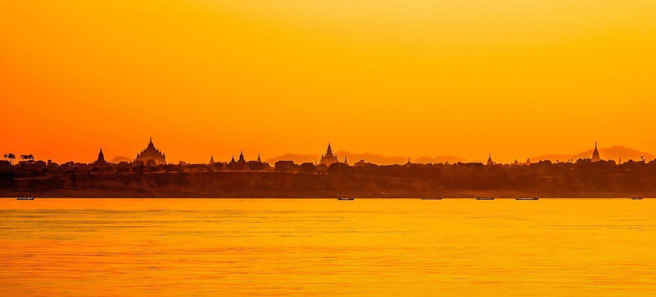 Birmanie Bagan coucher de soleil - Amedasie