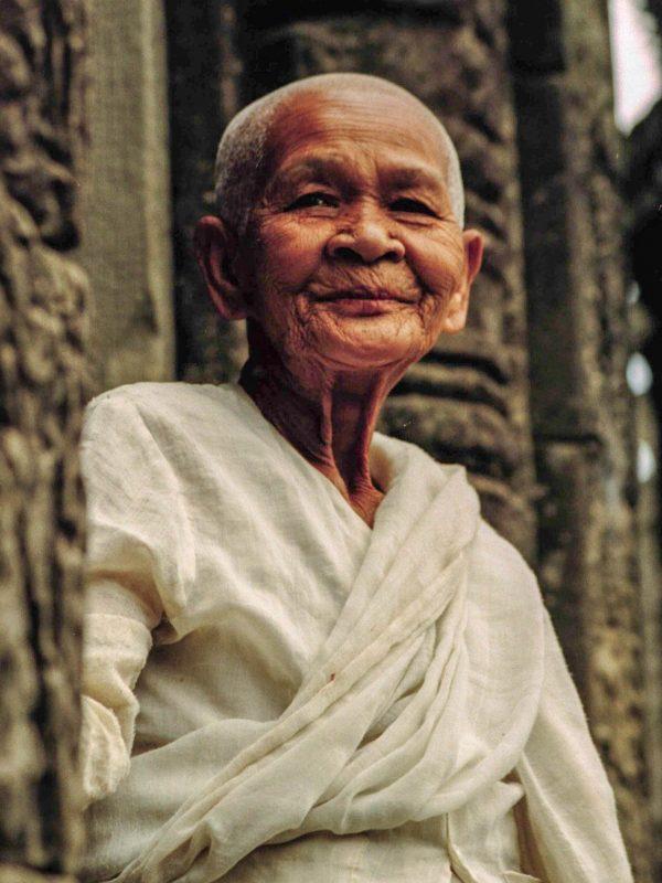 Habit traditionnel Cambodgien - femme amedasie