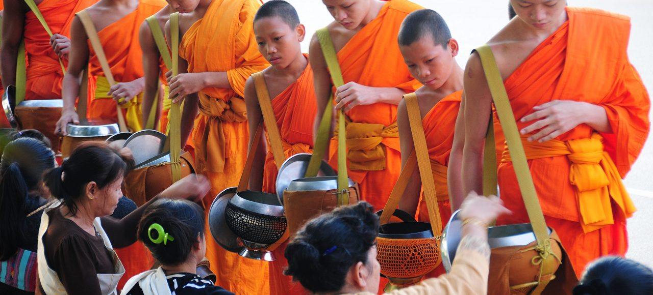 Tak Bat - Cérémonie des moines Luang Prabang