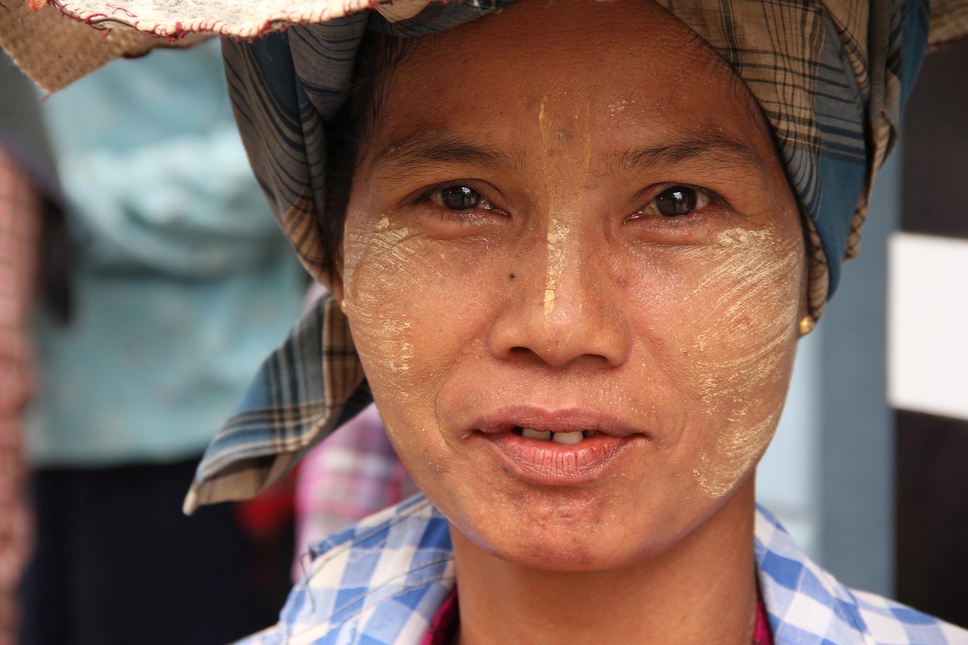 femme birmanie