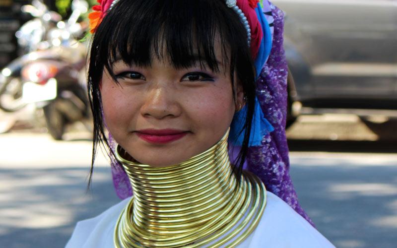 Femme long cou Thaïlande Chiang Mai