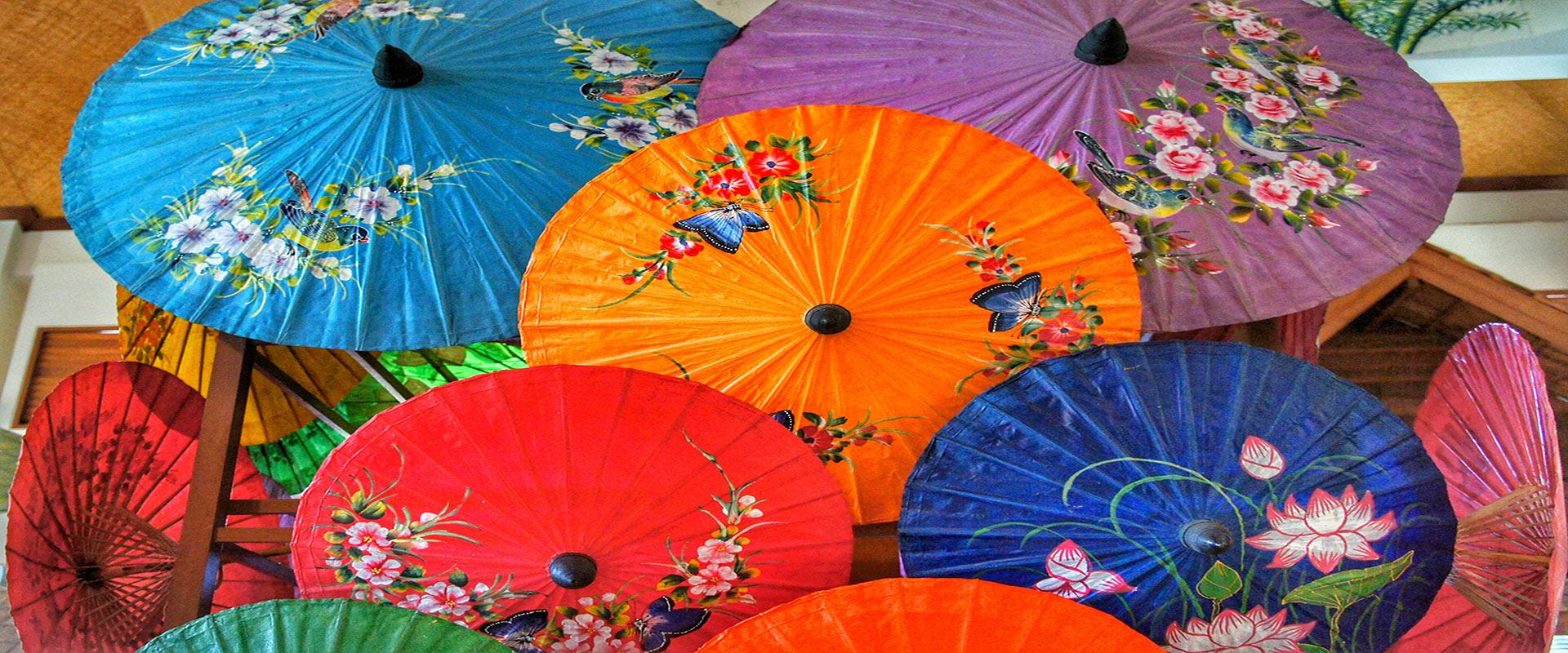 ombrelles colorées chiang mai Thaïlande