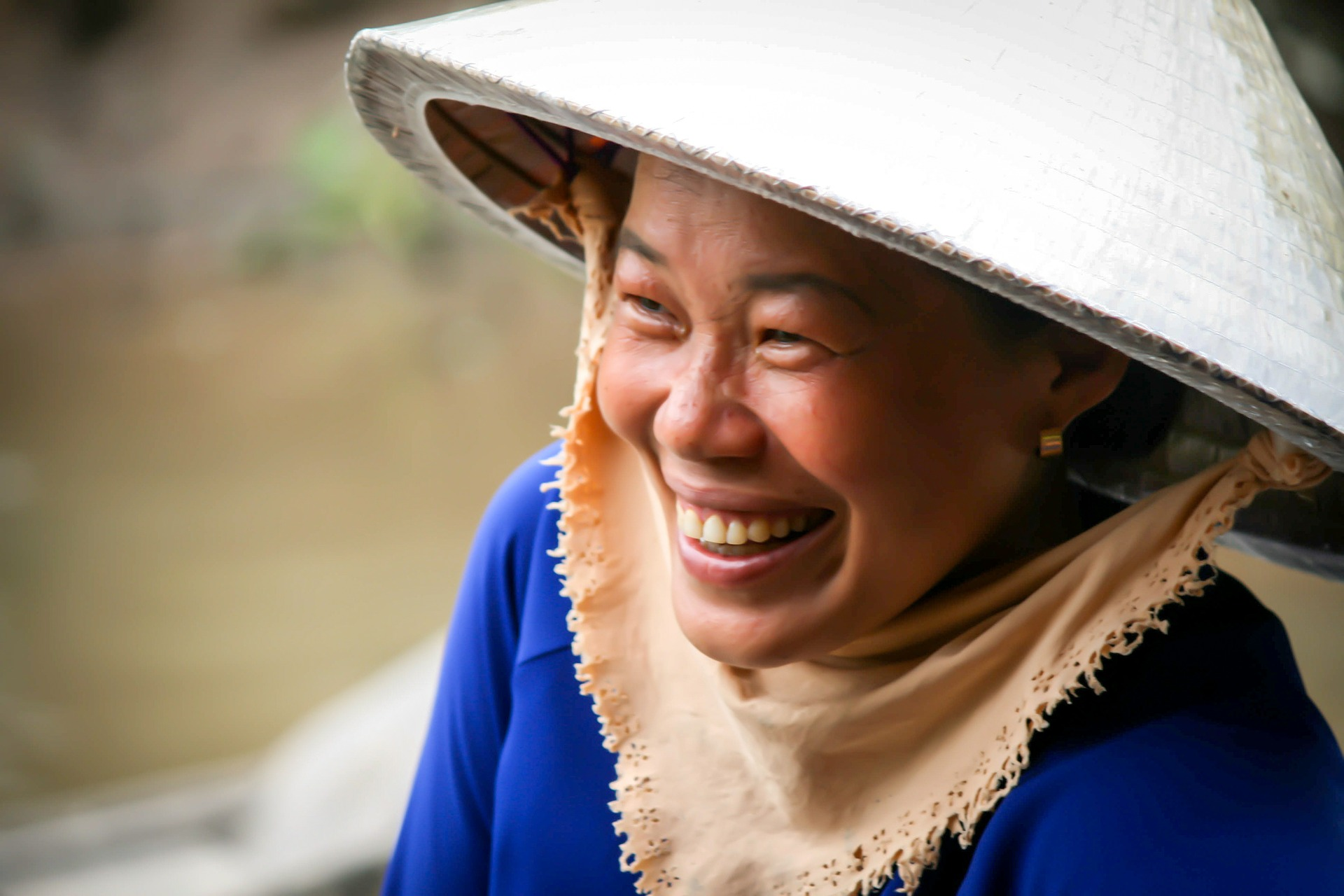 femme souriant