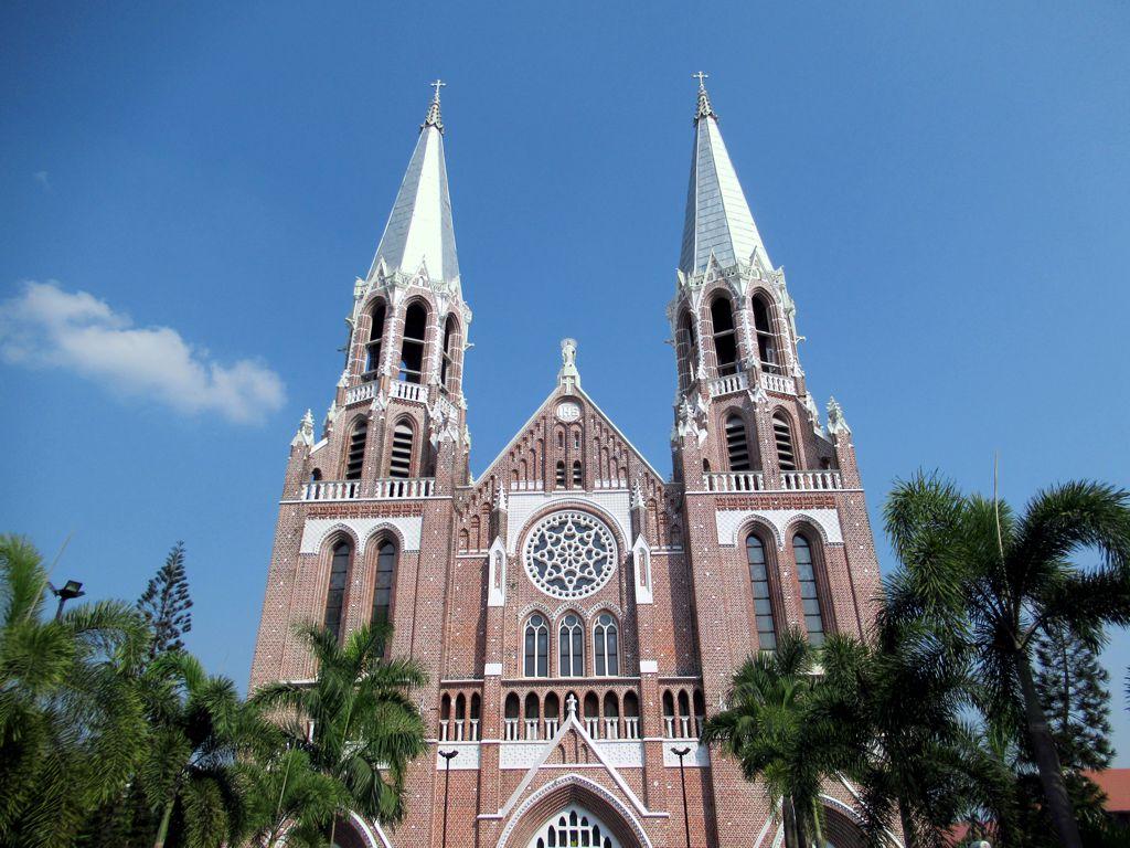 cathédrales en Asie du Sud-Est birmanie